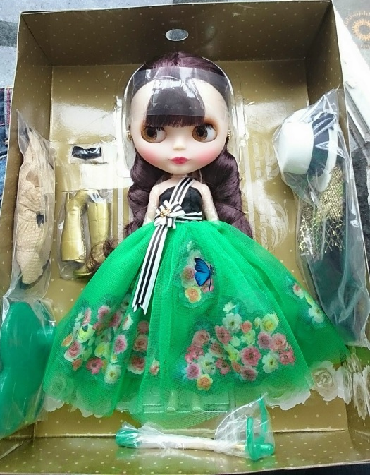 Regina Erwen - Photo by http://air-doll.blogspot.com.au/